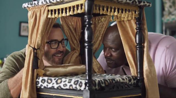 American Express TV Spot, 'Shop Small: Shaq and Jeremy Shop for Dog Beds' - Thumbnail 7