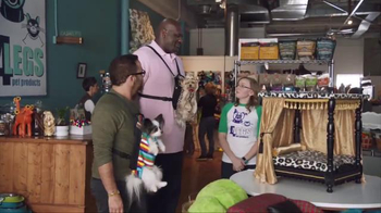 American Express TV Spot, 'Shop Small: Shaq and Jeremy Shop for Dog Beds' - Thumbnail 8
