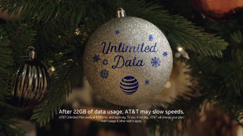 AT&T Wireless Unlimited Data TV Spot, 'Holiday Gathering' - Thumbnail 9