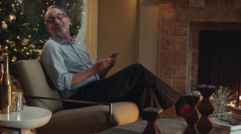 AT&T Wireless Unlimited Data TV Spot, 'Holiday Gathering' - Thumbnail 7