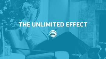 AT&T Wireless Unlimited Data TV Spot, 'Holiday Gathering' - Thumbnail 8