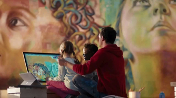 Microsoft TV Spot, 'Celebrate the Spirit of the Season' Song by Macy Gray - Thumbnail 6