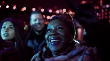 Microsoft TV Spot, 'Celebrate the Spirit of the Season' Song by Macy Gray - Thumbnail 8