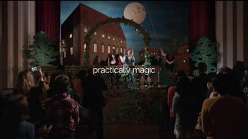 Apple iPhone 7 TV Spot, 'Romeo and Juliet' - Thumbnail 9
