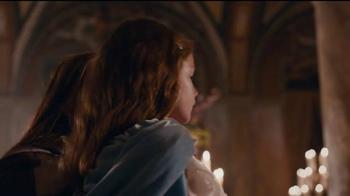 Apple iPhone 7 TV Spot, 'Romeo and Juliet' - Thumbnail 2
