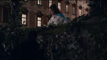 Apple iPhone 7 TV Spot, 'Romeo and Juliet' - Thumbnail 4