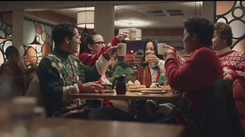 IHOP Holiday Menu TV Spot, 'Celebra las fiestas con estilo' [Spanish] - Thumbnail 2