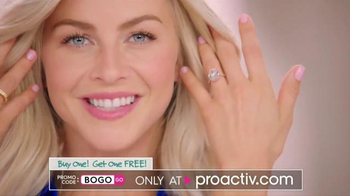 Proactiv BOGO Sale TV Spot, 'Gift of Clear Skin' Featuring Julianne Hough - Thumbnail 8