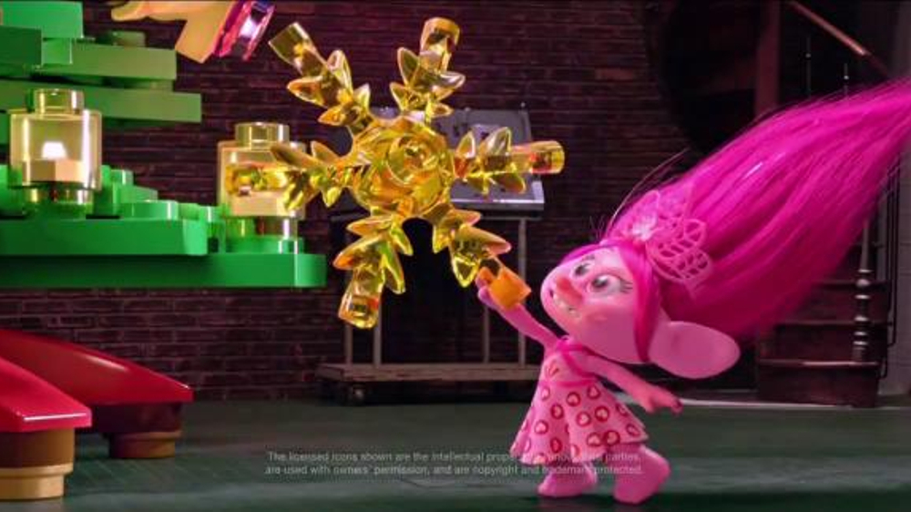 Target Christmas Commercial.Target Tv Commercial Holidays Tree Topper Video