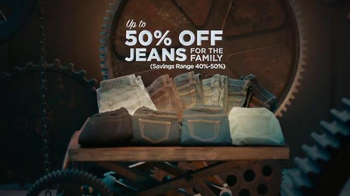 Sears Holiday One Day Sale TV Spot, 'Outerwear, Jeans and Tools' - Thumbnail 7
