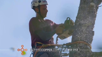 Tommie Copper TV Spot, 'Holidays: Better Life' Feat. Boomer Esiason - Thumbnail 3