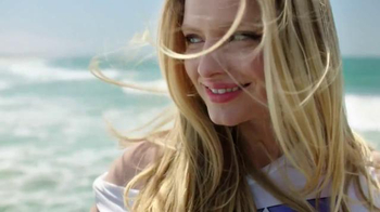 Garnier Fructis Sleek & Shine TV Spot, 'Stronger' Song by POWERS - Thumbnail 5