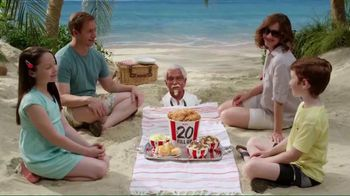 KFC $20 Family Fill Up TV Spot, 'Fun in the Sun' Featuring George Hamilton - Thumbnail 2