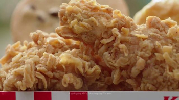 KFC $5 Fill Up TV Spot, 'Tray' Featuring George Hamilton - Thumbnail 4