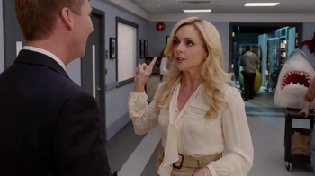 Verizon TV Spot, '30 Rock: Smart TV' Feat. Jack McBrayer, Jane Krakowski - Thumbnail 2