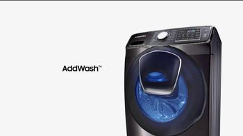 Samsung AddWash TV Spot, 'Roll Over' Featuring Kristen Bell, Dax Shepard - Thumbnail 7