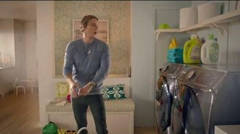 Samsung AddWash TV Spot, 'Roll Over' Featuring Kristen Bell, Dax Shepard - Thumbnail 1
