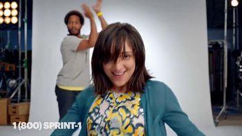 Sprint TV Spot, 'Danza de celebración: obtén un iPhone gratis' [Spanish]