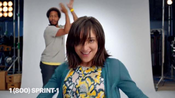 Sprint TV Spot, 'Danza de celebración: obtén un iPhone gratis' [Spanish] - 1666 commercial airings