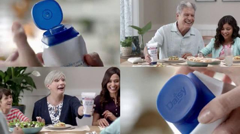 Daisy Squeeze Sour Cream TV Spot, 'Crema en tus platillos' [Spanish]