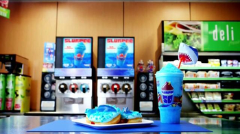 7-Eleven TV Spot, 'Discovery Channel: Shark Attack' - Thumbnail 10