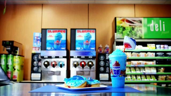 7-Eleven TV Spot, 'Discovery Channel: Shark Attack' - Thumbnail 9