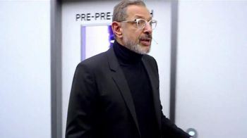 Apartments.com TV Spot, 'Pre-Search Facility' Featuring Jeff Goldblum - Thumbnail 7