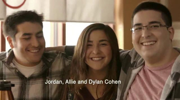IHOP Fruit 'n Streusel Crepes TV Spot, 'A Single Mom's Reunion'
