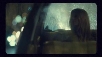 H&M TV Spot, 'Autumn 2015: Fall in Love' Featuring Anna Ewers - Thumbnail 6