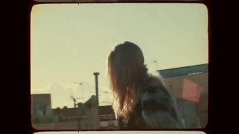 H&M TV Spot, 'Autumn 2015: Fall in Love' Featuring Anna Ewers - Thumbnail 3