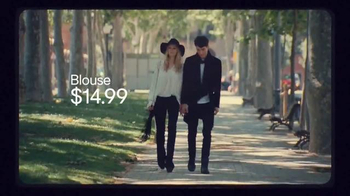 H&M TV Spot, 'Autumn 2015: Fall in Love' Featuring Anna Ewers - Thumbnail 4