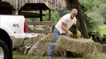Copper Fit TV Spot, 'Prenda de compresión' Featuring Brett Favre [Spanish] - Thumbnail 2
