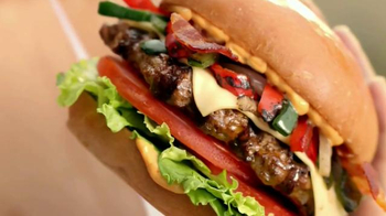 Carl's Jr. Tex Mex Bacon Thickburger TV Spot, 'Borderball' Feat. Elle Evans - Thumbnail 1