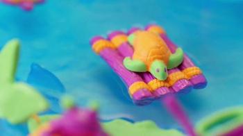 Kinetic Sand Float TV Spot, 'Paradise Island' - Thumbnail 5