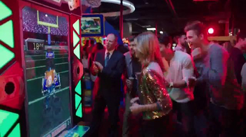 Dave and Buster's TV Spot, 'Winning Gameday' Featuring Matthew Berry - Thumbnail 5