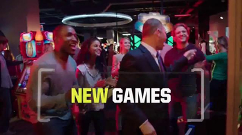 Dave and Buster's TV Spot, 'Winning Gameday' Featuring Matthew Berry - Thumbnail 6