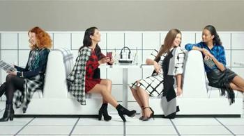 Target TV Spot, 'Vida de cuadritos' canción de Icona Pop [Spanish] - Thumbnail 5