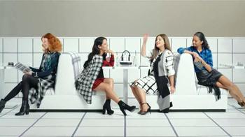 Target TV Spot, 'Vida de cuadritos' canción de Icona Pop [Spanish] - Thumbnail 6