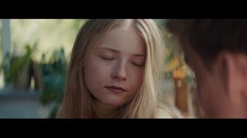Bose Wireless TV Spot, 'Night Moves' Song by M83 - Thumbnail 5