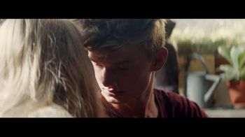 Bose Wireless TV Spot, 'Night Moves' Song by M83 - Thumbnail 6