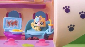 Littlest Pet Shop Pet Jet TV Spot, 'First Class Seats' - Thumbnail 4
