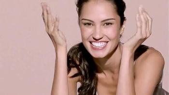 Macy's Beauty Scene TV Spot, 'Clinique Custom Repair' - Thumbnail 3