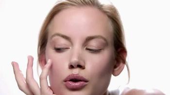 Macy's Beauty Scene TV Spot, 'Clinique Custom Repair' - Thumbnail 6