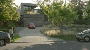 2016 Audi A3 e-tron TV Spot, 'New Arrival' - Thumbnail 4