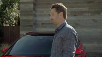 2016 Audi A3 e-tron TV Spot, 'New Arrival' - Thumbnail 7