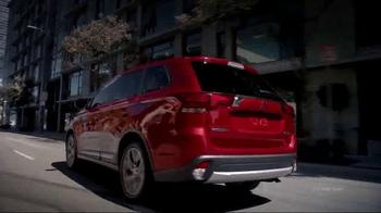 2016 Mitsubishi Outlander TV Spot, 'Directions' - Thumbnail 6