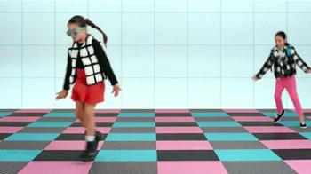 Target TV Spot, 'Cuadrícula chica' canción de Icona Pop [Spanish] - Thumbnail 4