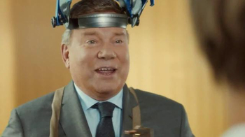 Priceline.com TV Spot, 'Statue' Ft. William Shatner, Kaley Cuoco-Sweeting - Thumbnail 1