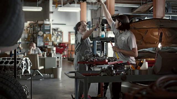 Slim Jim TV Spot, 'Mechanics' - Thumbnail 6