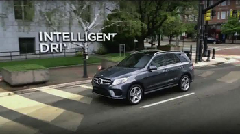 2016 Mercedes-Benz GLE TV Spot, 'Discovery Channel' - Thumbnail 2